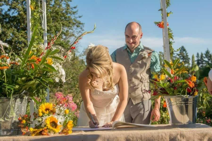 hall-wedding-outdoor-027