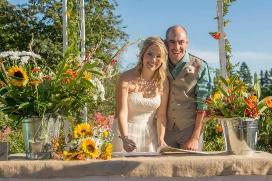 hall-wedding-outdoor-031