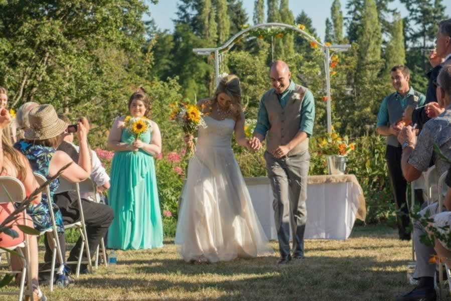 hall-wedding-outdoor-033