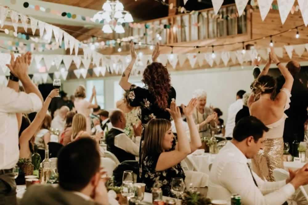 hall-wedding-outdoor-083